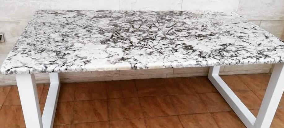 Столы из камня на кухню