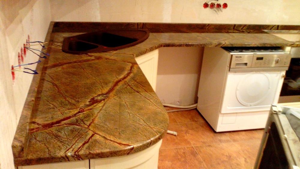 Столешница на кухню из индийского мрамора  Forest Green Extra