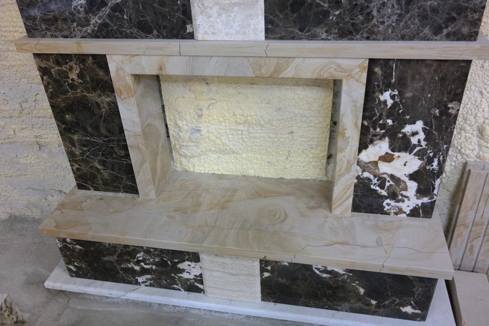 Камин из мрамора Emperador и Teak Wood