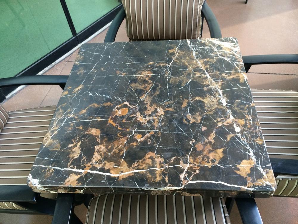 Стол из итальянского мрамора Black & Gold
