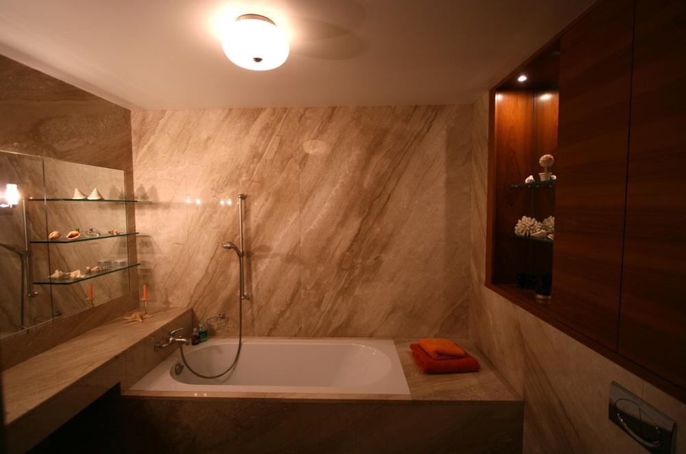 Облицовка ванной мрамор Breccia Sardo