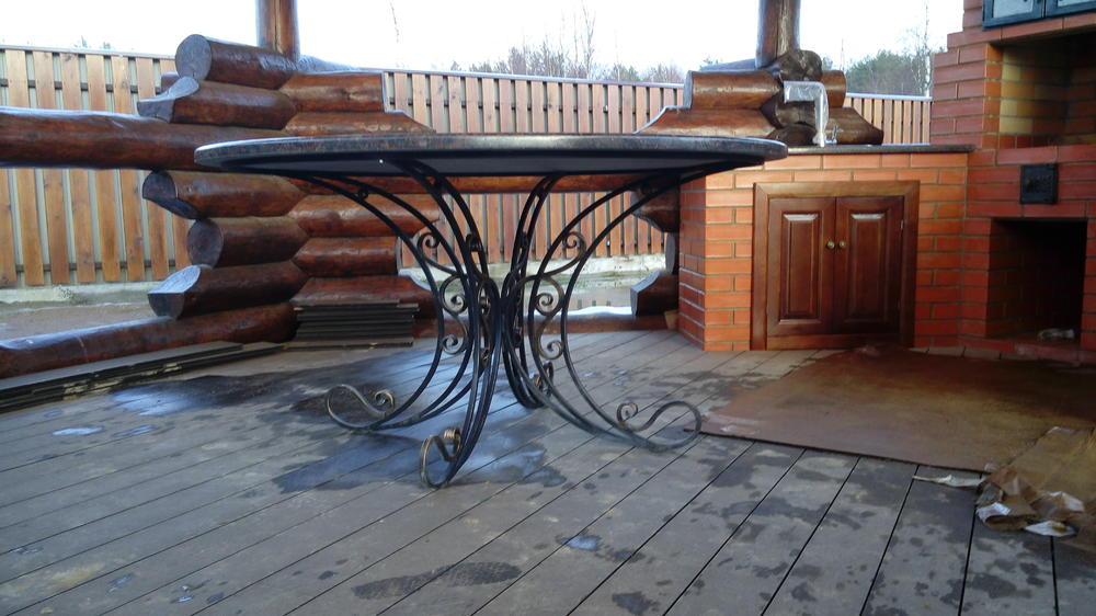 Стол и столешница для барбекю из гранита