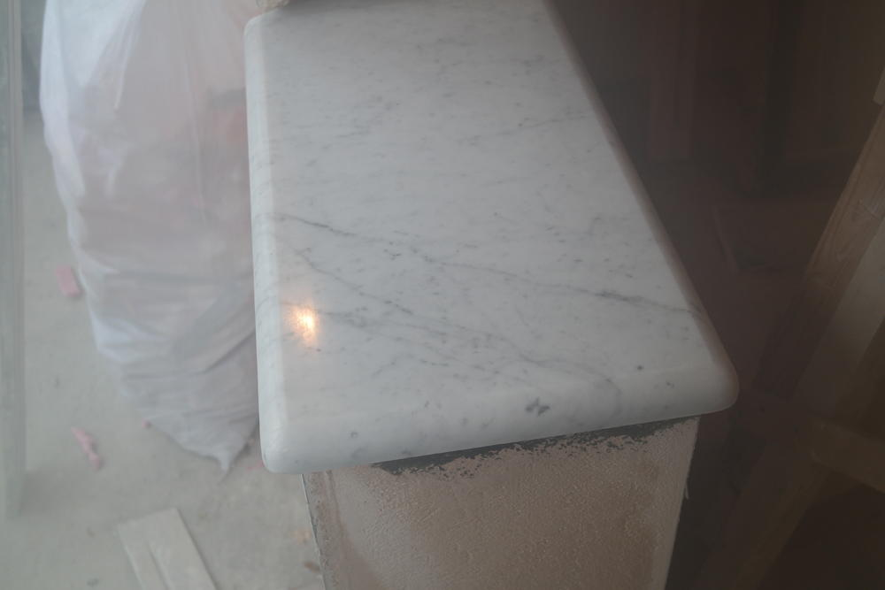Подоконники из мрамора B.Carrara