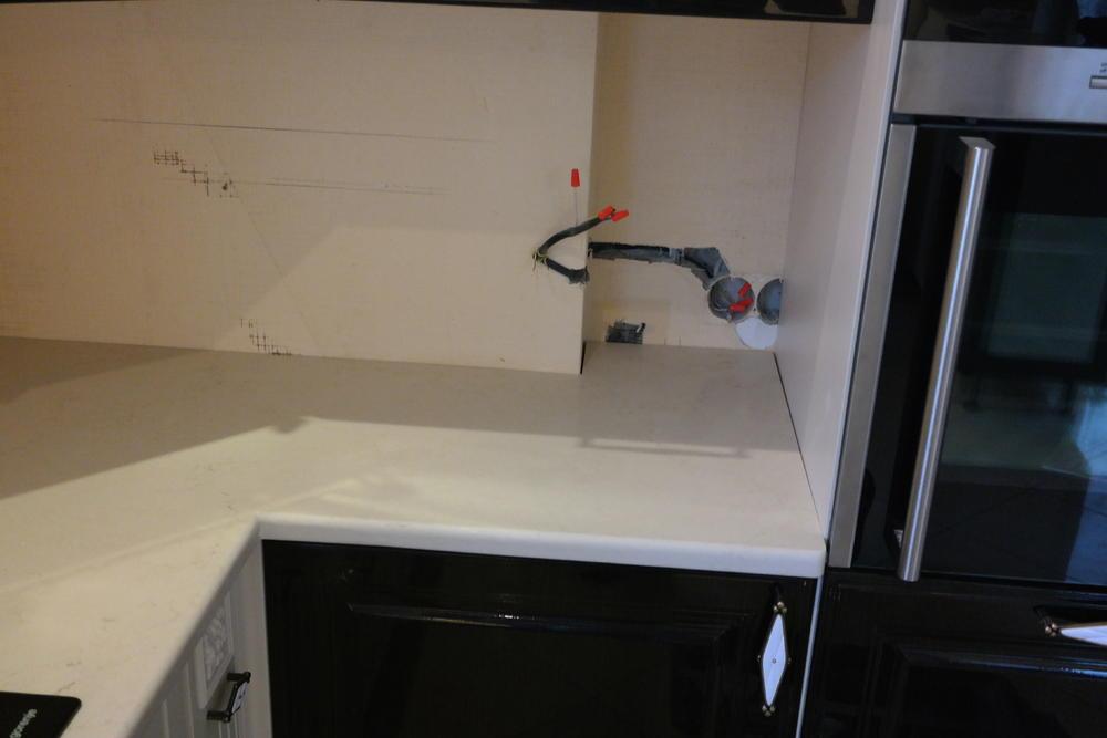 Столешница на кухню из белого камня