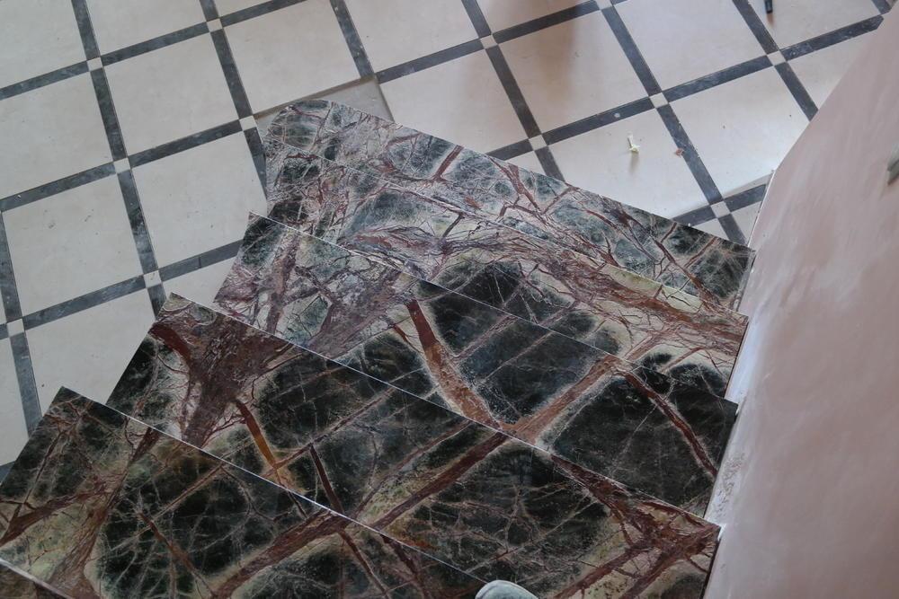 Лестница из индийского мрамора Forest Green