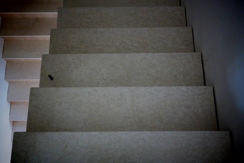 Лестница из мрамора Botticcino Classico