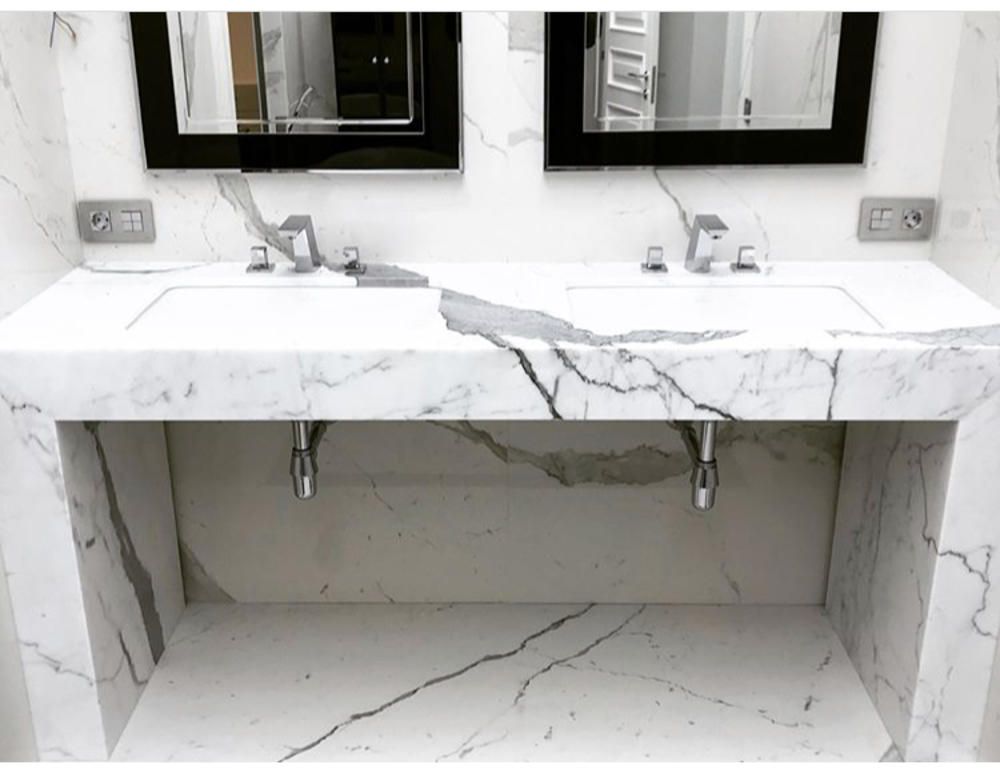 Столешница в ванную из итальянского мрамора Bianco Stattuario