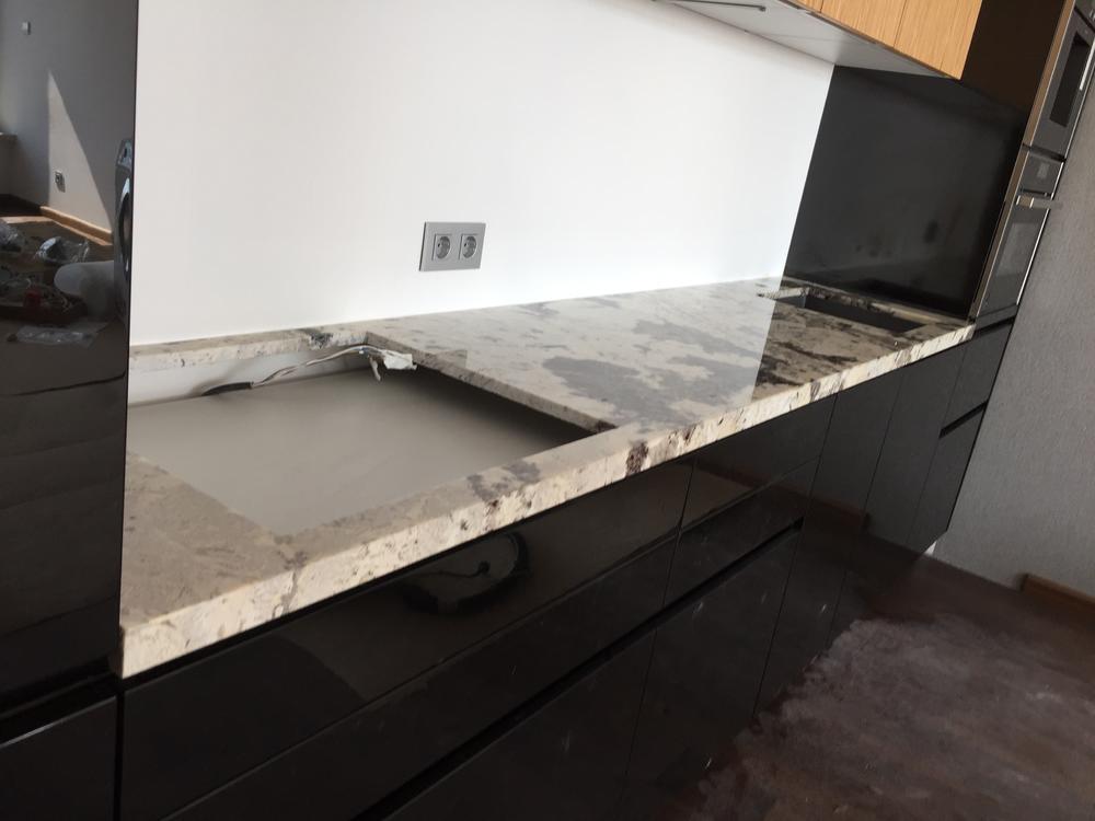 Кухонная столешница из гранита Delicatus White Extra