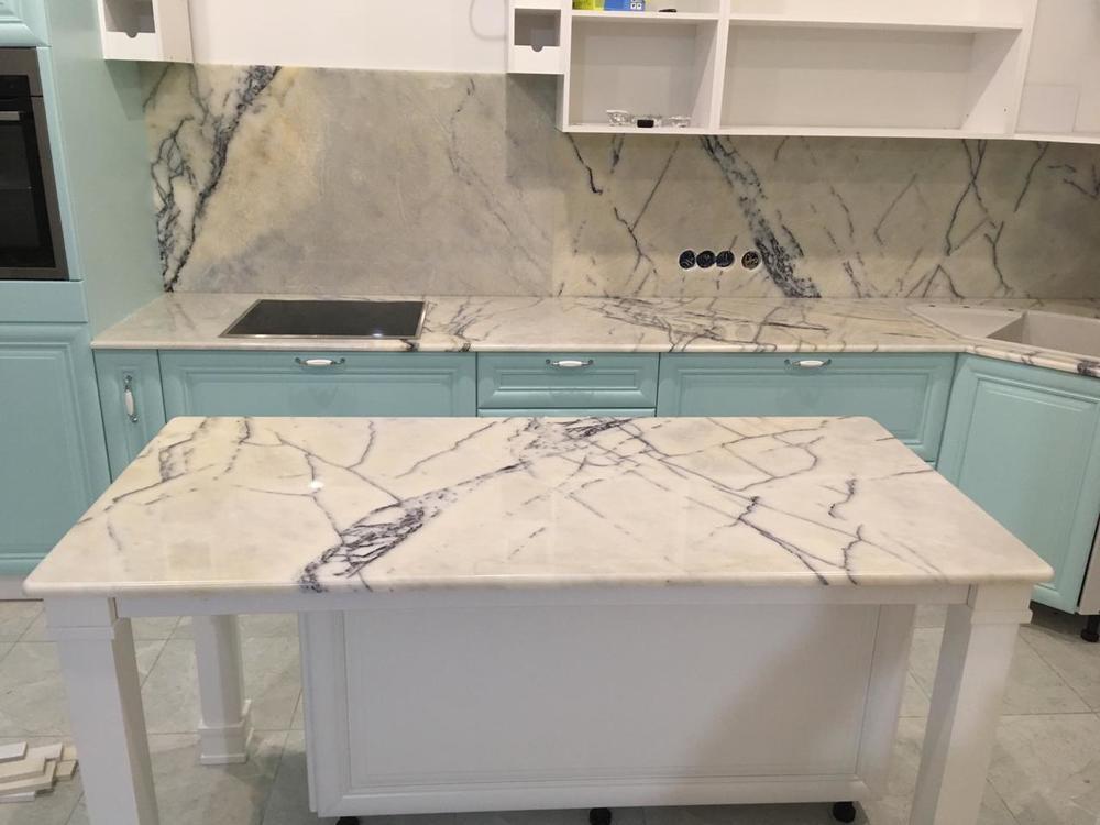 Столешница на кухню из мрамора Milas Lilac