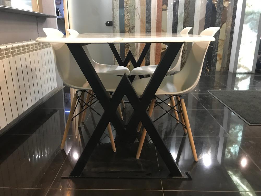 Стол из мрамора Bianco Stattuario Extra
