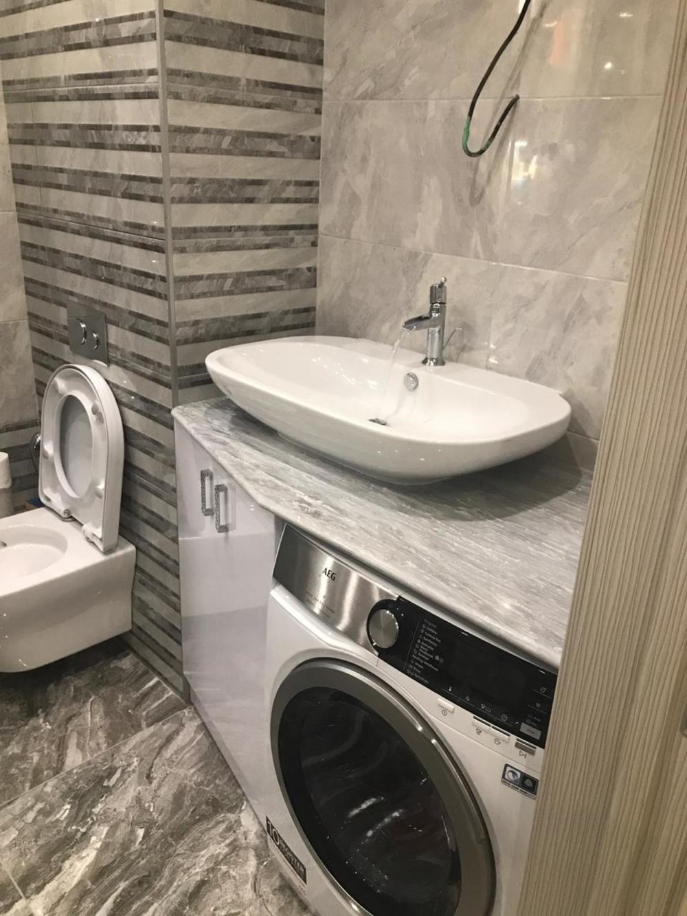 Столешница в ванную из мрамора Grigio