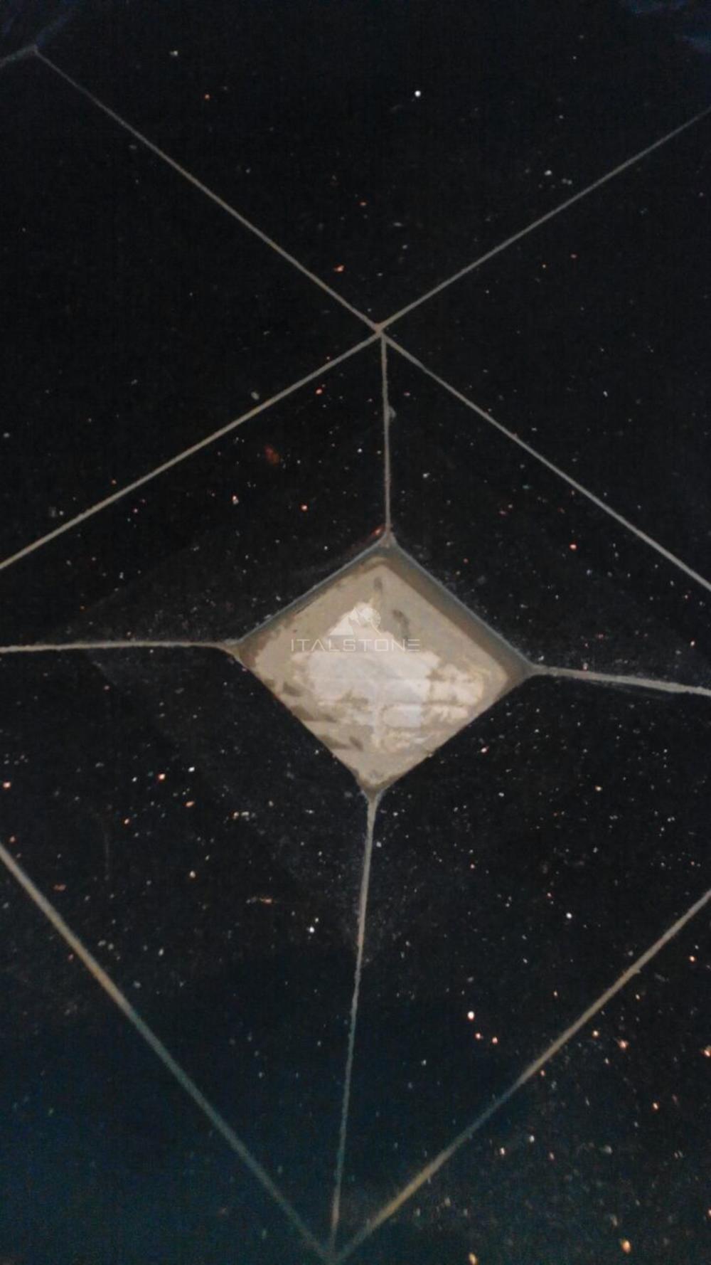 Укладка гранитной плитки Star Galaxy в душевую