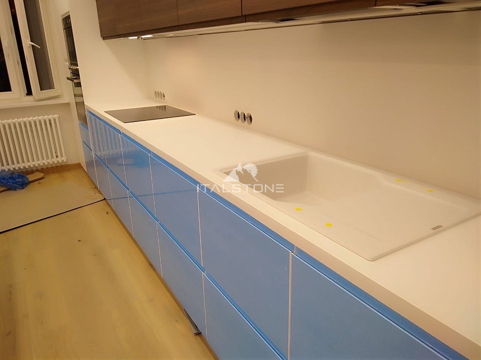 Столешница на кухню из кварцевого агломерата Crystal Absolute White