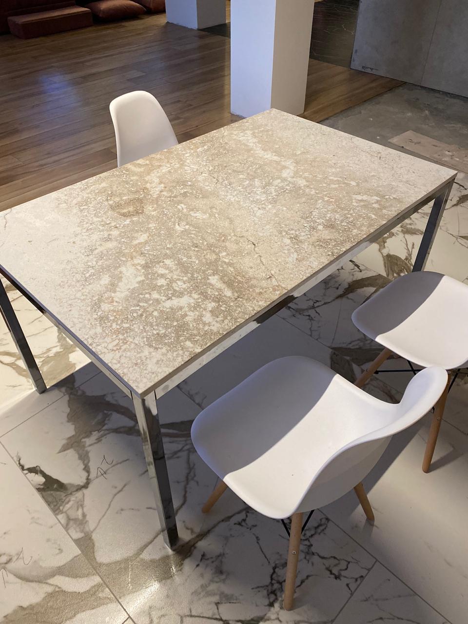 Столешница для обеденного стола из кварцевого агломерата Caesar Stone Excava
