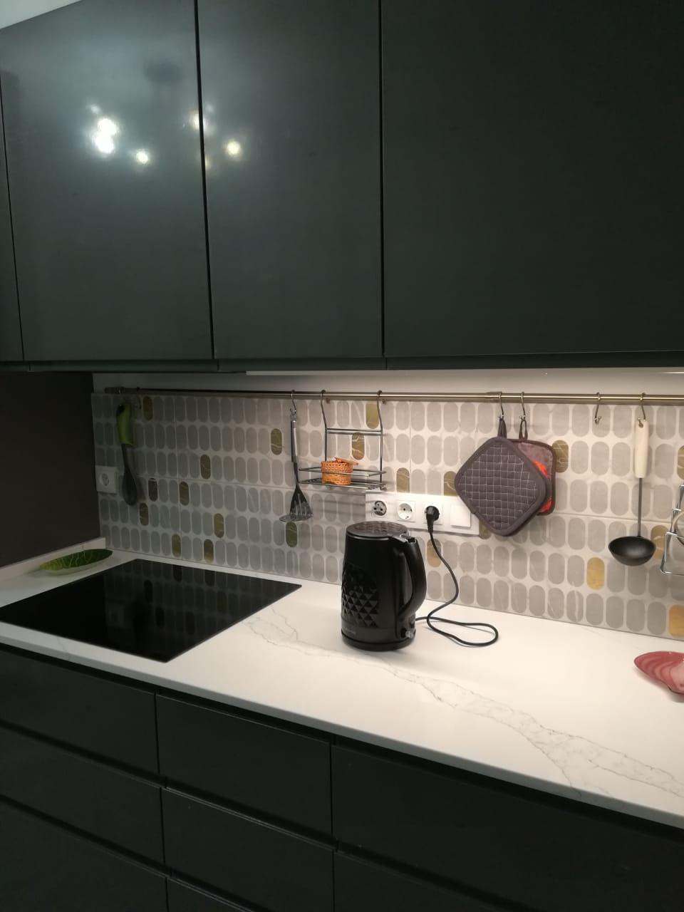 Столешница на кухню из кварцевого агломерата Калакатта Эно