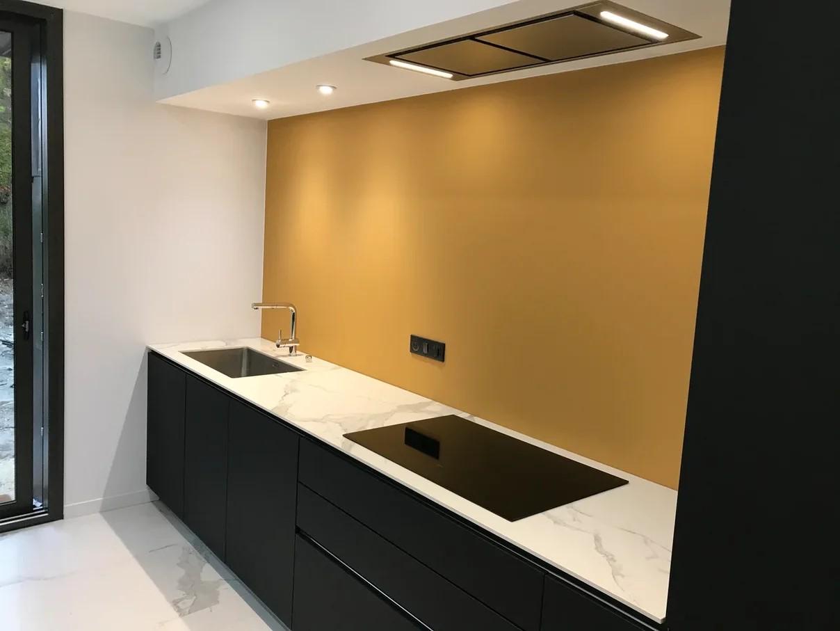 Столешница на кухню из кварцекерамики ITALSTONE Statuario Lux