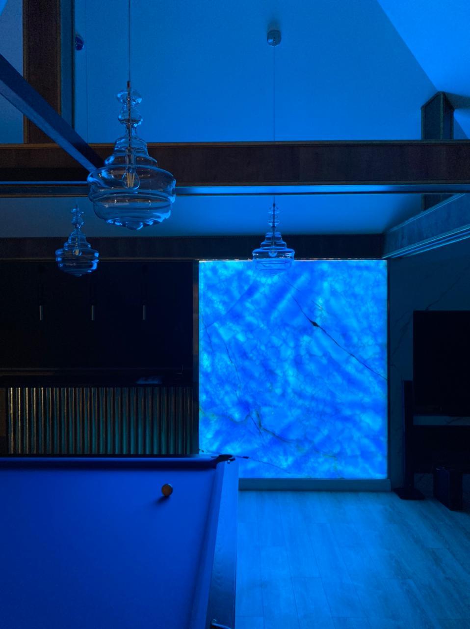 Панно из голубого оникса с подсветкой